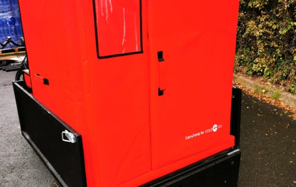 Fraischeztoi.fr delivers 6 fresh boxes by bike with the insulated container COLD & CO XL6.