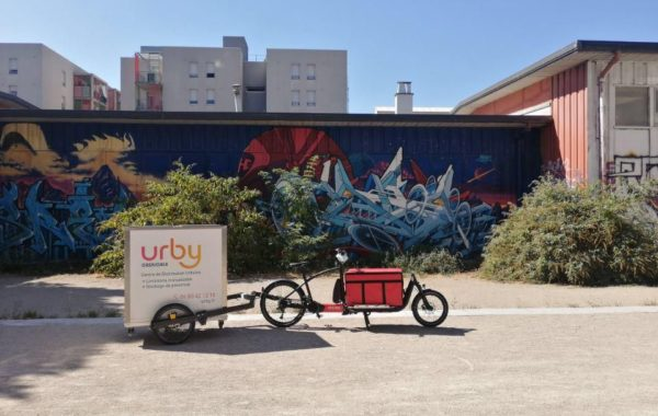 Urby delivers Grenoble in fresh products by bike with the refrigerated isothermal container CarryTemp 84L from COLD & CO